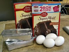 Cake Mix Whoopie Pie ingredients may try with red velvet cake mix (christmas baking ideas cookies red velvet) Cake Mix Whoopie Pies, Red Velvet Whoopie Pies, Chocolate Whoopie Pies, Cake Mix Cookies, Sandwich Cookies, Whoopie Pie Recipe With Cake Mix, Shortbread Cookies, Chocolate Ganache, Whoopie Pie Filling