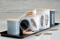 Breathing new life into old cans - That& how the result can be .- Alten Dosen ein neues Leben einhauchen – So kann das Ergebnis aussehen Breathing new life into old cans – That& the result - Recycle Cans, Diy Cans, Diy Recycling, Tin Can Crafts, Diy And Crafts, Upcycled Crafts, Diy Projects To Try, Diys, Canning