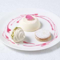 Pistachio meringue with rose & cardamom panna cotta