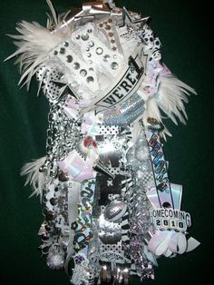(82) Homecoming Mums by Fresh