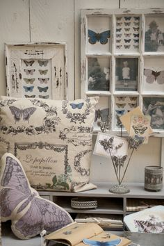 Clayre & Eef - Vole Papillon Bleu | Butterfly | Romantic | Shabby | Fabric | Pillow | Cushion | Purple | Interior