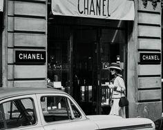 """Las fotos nunca vistas de Coco Chanel - """"La moda se pasa de moda. El estilo, jamás""""...."""