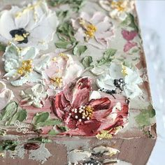 "1,854 Likes, 45 Comments - Sweet Bloom Cakes (@sweetbloomcakes) on Instagram: ""Sunday's pallete of buttercream flowers #signaturelook"""