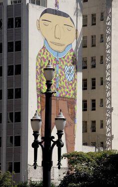 o grafite dos Gemeos que nunca mais veremos, graças ao PALHAÇO que está na Prefeitura de São Paulo. =(