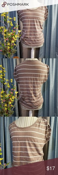 🌻🌺🌻ANN TAYLOR LOFT ROUCHED SLEEVE SHIRT!! SIZE:small   BRAND:Ann Taylor   CONDITION:good, no flaws   COLOR:light brown and white  Cute rouched sleeves!   🌟POSH AMBASSADOR, BUY WITH CONFIDENCE!   🌟CHECK OUT MY OTHER ITEMS TO BUNDLE AND SAVE ON SHIPPING!   🌟OFFERS WELCOME!   🌟FAST SHIPPING! Ann Taylor Tops