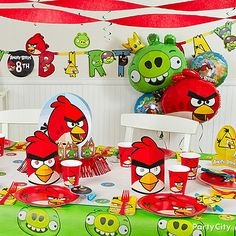 Our feathered friends' bold colors are perfect for getting the party started! Take your birthday to the next level with our Angry Birds party ideas.