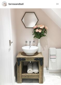 The subtle pink colour of creates a bathroom scheme that is soft, yet unexpected. Farrow Ball, Farrow And Ball Paint, Farrow And Ball Bedroom, Small Bathroom, Modern Bathroom, Master Bathroom, Bathroom Ideas, Bathroom Pink, Bathroom Remodeling