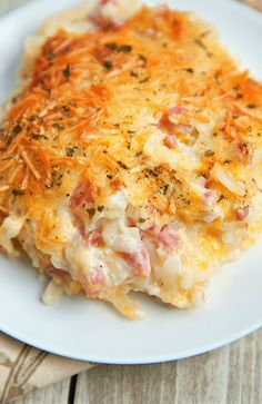 Ham and Cheese Hash Brown Casserole - My Recipes Cheese Hashbrown Casserole, Ham Casserole, Hash Brown Casserole, Casserole Dishes, Casserole Recipes, Ham Breakfast Casserole, Breakfast Potatoes, Pork Recipes, Gourmet Recipes
