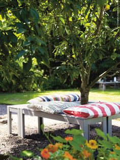 4 ikea benches add some pillows for around a tree Ikea Outdoor, Outdoor Spaces, Indoor Outdoor, Outdoor Living, Outdoor Decor, All Wood Furniture, Ikea Garden Furniture, Outdoor Furniture Sets, Colorado Landscaping