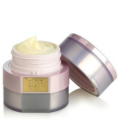 Combat visible signs of aging with DHC EGF Cream. EGF (epidermal growth factor) is a polypeptide discovered through Nobel Prize–winning research. Free Makeup Samples, Free Cosmetic Samples, Free Samples, Anti Aging Moisturizer, Best Moisturizer, Dhc Skincare, Tend Skin, Best Skin Cream