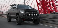 DEVOLRO specializes in the production and selling of luxury off-road trucks and recreational vehicles of all kinds, which creates a great armoring vehicle.