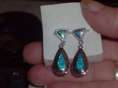LOOK!!!! A BEAUTIFUL PAIR OF STERLING SILVER GENUINE AUSTRALIAN BLUE OPAL EARRINGS