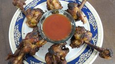 Chicken lollipop recipe is a simple one. The first time that I attempted to make it (years ago), I came across different chicken lollipop recipes that completely left me confused. I decided to go with my gut, or taste buds rather, and seasoned the lollipops with some basic ingredients. The idea was to have the dish carry the essence of Chinese cui