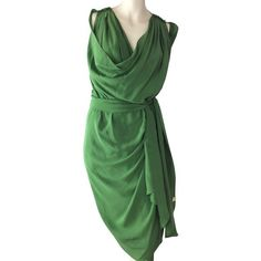 Pre-owned Silk dress ($470) ❤ liked on Polyvore featuring dresses, green, green dress, green cocktail dress, pre owned dresses, green silk dress and silk dress