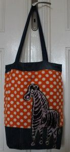 Upcycling: Zebra-Tasche aus Jeans und Frottee-Umkleidekabine / Upcycling / Bag made from old pair of jeans and terry cloth