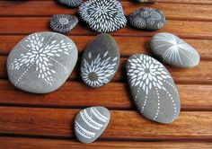 Pastel pebbles tossed among your yard's natural elements offer an unexpected touch. Get the tutorial Pebble Painting, Dot Painting, Pebble Art, Stone Painting, Stone Crafts, Rock Crafts, Rock And Pebbles, Mandala Rocks, Rock Painting Designs