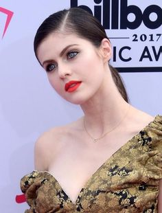 Beautiful Alexandra Daddario