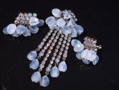 ALICE CAVINESS BLUE OPALESCENT ART GLASS AB RHINESTONE DANGLE BROOCH & EARRINGS #AliceCaviness