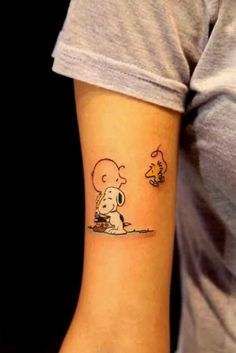 Charlie Brown, Snoopy tattoo