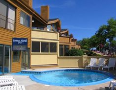 Villa Moderne Motel of Charlevoix | Places to Stay in ...