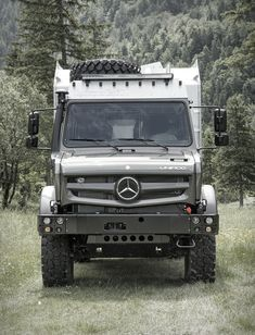 The beastly EX 435 from Germany´s Bimobil, is the ultimate expedition vehicle ready to prowl Earth in search of adventure. Built atop the Mercedes Unimog, the adventure camper features a powerful BlueTec four-cylinder engine that put Overland Truck, Overland Trailer, Expedition Vehicle, Mercedes Benz Unimog, Mercedes Benz Trucks, Custom Pickup Trucks, 4x4 Trucks, Aigle Animal, Offroader