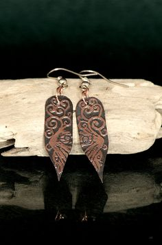 Raven song: flight  etched copper earrings by LunariaJewellery, £17.00 10%off with coupon code MIN10PIN Click to learn more about those earrings :) #handmade #etched #copper #earrings