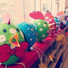 Vrolijke kipjes pasen, groep 7/8 Easter Art, Easter Crafts, Diy For Kids, Crafts For Kids, Art Projects, Projects To Try, Diy And Crafts, Arts And Crafts, Diy Ostern