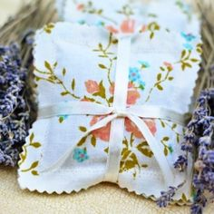 Learn how to make lavender sachets with vintage fabric.