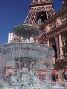 Paris Hotel, Las Vagas Paris Hotel Las Vegas, Las Vegas Love, Las Vegas Trip, Paris Hotels, Usa Trip, Middle Earth, Vacation Spots, Travel Usa, Wonders Of The World