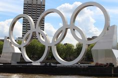 Olympic Rings on the Thames!