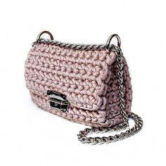 Powder pink crochet shoulder bag by Sevirikamania