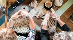 How to do arm knitting: a simple technique that has us hooked Yarn Crafts, Sewing Crafts, Diy Crafts, Learn To Crochet, Knit Crochet, Knitting Projects, Crochet Projects, Weaving Textiles, Arm Knitting