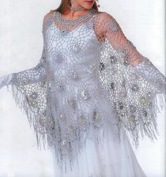 Crochet Shawls: Poncho - Crochet Poncho Pattern http://crochet-shawls.blogspot.be/2012/06/cape-womens-lace-crochet-cape-for.html