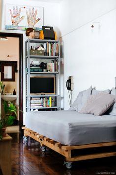 23 Clever DIY Christmas Decoration Ideas By Crafty Panda Decor, Interior Design, Diy Home Furniture, Furniture, Dream Decor, Apartment Decor, Home, Home Office Design, Home Decor