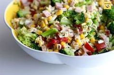 Sałatka z makaronem i brokułem. Idealna na lekki lunch. Polish Recipes, Lunch, Cobb Salad, Salad Recipes, Potato Salad, Meal Prep, Food And Drink, Healthy Eating, Appetizers