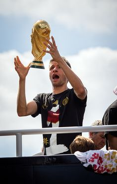 """Germany reveal World Cup 2014 trophy damage during wild victory celebrations"" Deutschland Weltmeister 2014"