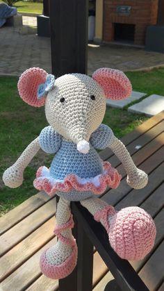 Mouse Ballerina feito em croche .