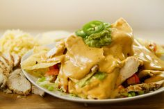 What do you serve up with your Nachos? You have to see these Gameday Nachos with Homemade Nacho Cheese! Mexican Food Recipes, Snack Recipes, Cooking Recipes, Healthy Recipes, Ethnic Recipes, Yummy Recipes, Recipies, Cheddar Cheese Recipes, Nacho Cheese Sauce