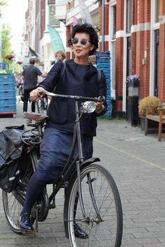 On a bike in The Hague | MisjaB.nl