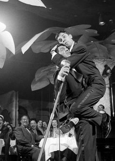 On July 1946 Dean Martin and Jerry Lewis makes their official debut together. Their act at the 500 Club in Atlantic City, NJ consisted of Martin trying to sing with Lewis constantly interrupting him. It was a smash hit. Jerry Lewis, Dean Martin, Martin King, Old Hollywood Stars, Classic Hollywood, Comedy Tonight, Las Vegas, Comedy Duos, Old Movie Stars
