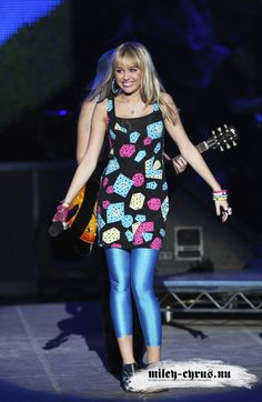 hannah montana concert | ... Hannah Montana performing Best of Both Worlds at the 3 Season Concert