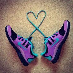 Nike shoes Nike roshe Nike Air Max Nike free run Nike USD. Nike Nike Nike love love love~~~want want want! Nike Shoes Cheap, Nike Free Shoes, Nike Shoes Outlet, Running Shoes Nike, Cheap Nike, Nike Outfits, Summer Outfits, Casual Outfits, Design Nike