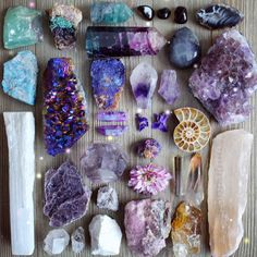 NEW Workshop: Crystals And The Law Of Attraction of attraction manifesting career of attraction manifesting journal of attraction manifesting love of attraction manifesting money of attraction manifesting quotes of attraction manifesting signs Crystal Healing Stones, Crystal Magic, Crystal Grid, Stones And Crystals, Quartz Crystal, Minerals And Gemstones, Crystals Minerals, Rocks And Minerals, Crystal Aesthetic