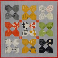 Simply Small Comma Quilt using charm squares | CReate the poinT