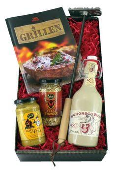 Das Geschenkset Grillmeister als eine lustige Geschenkidee für Grillspezialisten. Das Brandeisen 'Meins' zur Kennzeichnung des Steaks, die Keramikbügelflasche Schorschweizen und der scharfe Grillsenf 'Light my fire' verdoppeln den Spaß beim Grillen!