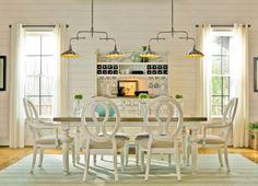 Beach house eat in kitchen
