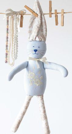 ...króliczek z haftowanym brzuszkiem...dla dziecka forkids handmade rekodzielo przytulanki maskotki pluszaki nazamowienie