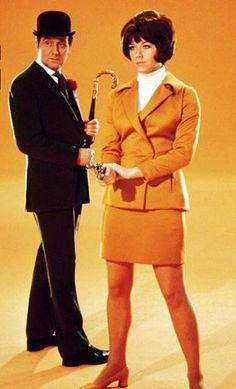 John Steed & Tara King - Patrick Macnee & Linda Thorson - The Avengers 1968 - 1969 Spy Shows, Great Tv Shows, Old Tv Shows, Emma Peel, The Avengers, Canadian Actresses, Actors & Actresses, British Actors, Detective