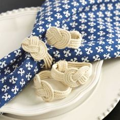Rope napkin rings.  Set of 4 Rope Knot Napkin Rings