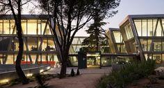 Universidad a distancia de Madrid del arquitecto Jose Manuel Sanz